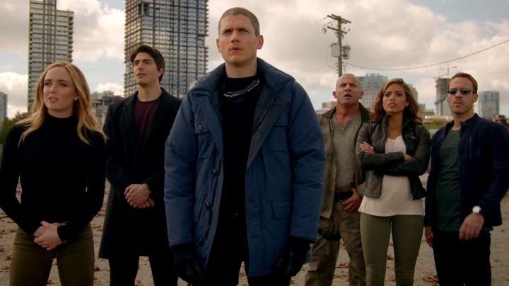 legends of tomorrow team 1x01 pilot